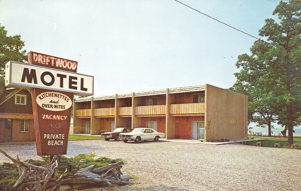 Traverse Driftwood Motel Old | Don...The UpNorth Memories Guy