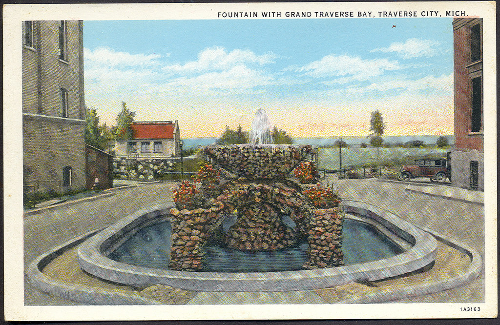 Traverse City MI RARE View of Cass Street Median Old Fount… | Flickr