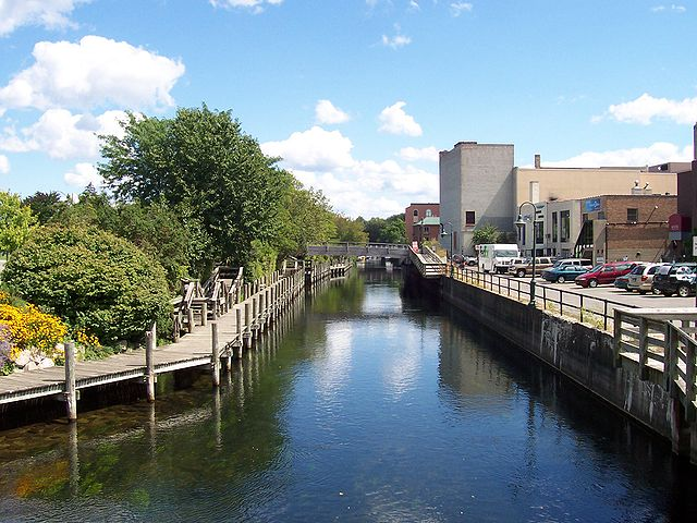 File:Boardman River in Traverse City.jpg - Wikimedia Commons