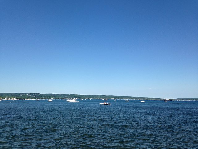File:West Grand Traverse Bay, Traverse City, Michigan, USA 2014-07