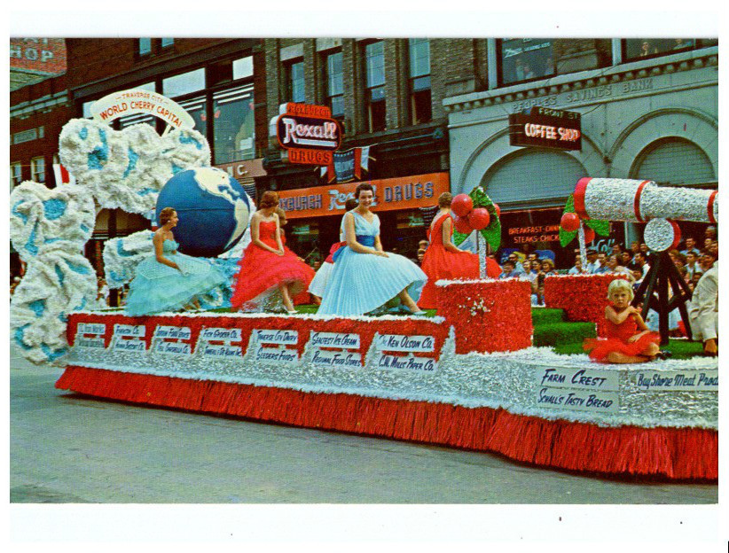 Traverse City, Michigan, Cherry Festival parade float, in … | Flickr