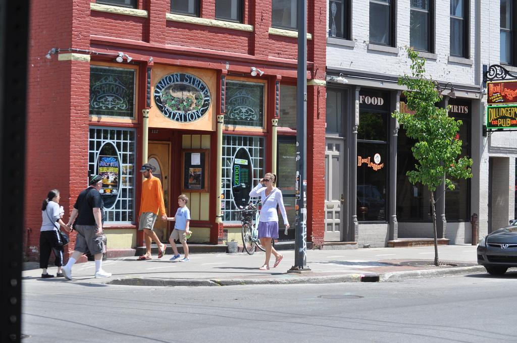 Traverse City Union Street Station Dillinger\'s Pub Boot Le… | Flickr