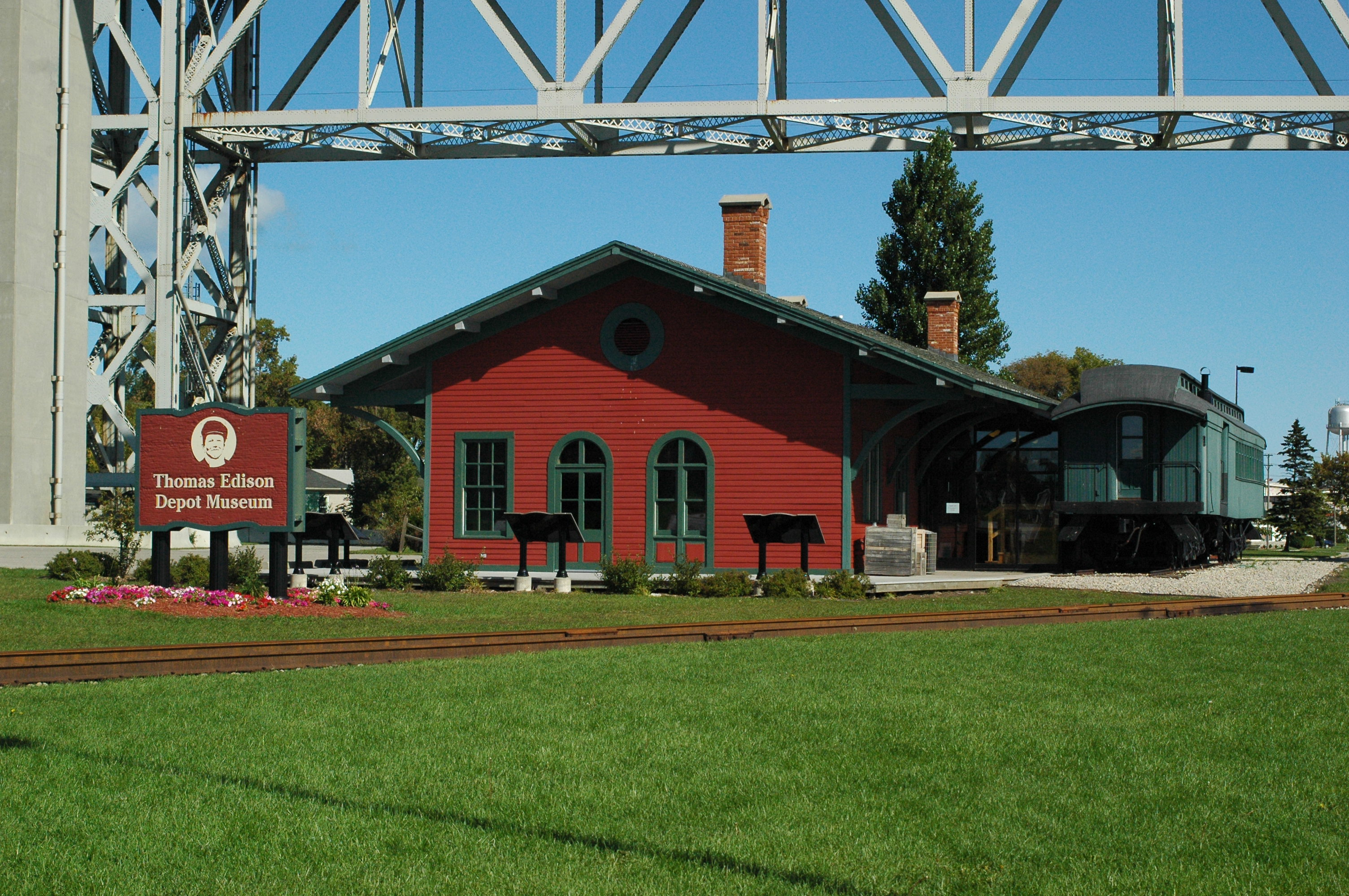 Thomas Edison Depot Museum under the Blue Water Bridge, Port
